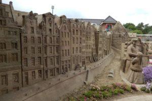 Zandsculpturen bij het Veluwse Garderen