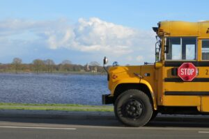 Goedkoop Schoolbus Huren